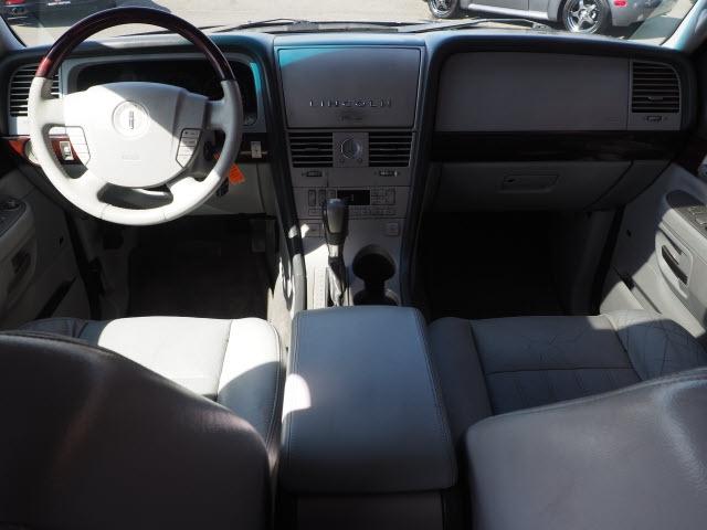 Lincoln Aviator 2005 price $7,990
