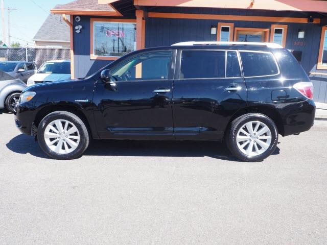 Toyota Highlander 2010 price $12,990