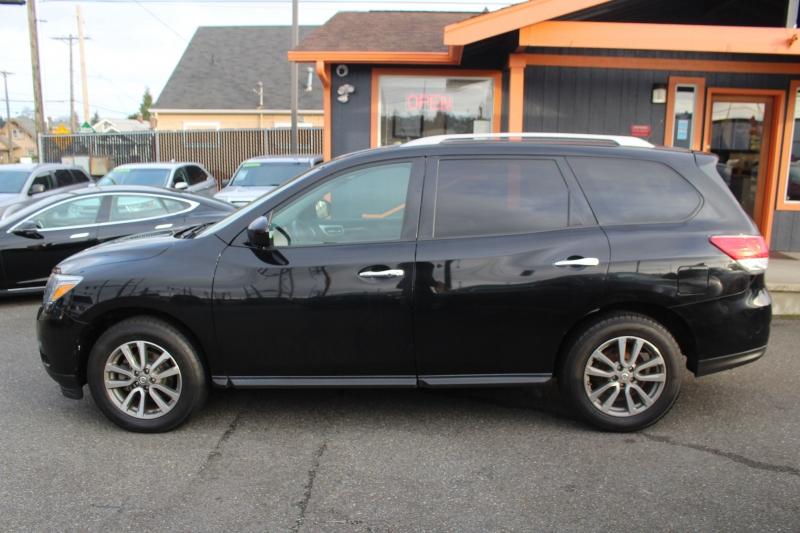 Nissan Pathfinder 2014 price $13,997