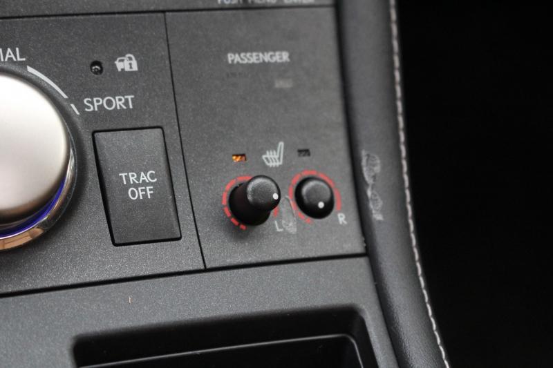 Lexus CT 200h 2016 price $17,997