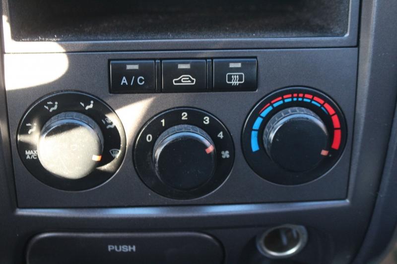 Hyundai Elantra 2005 price $3,990