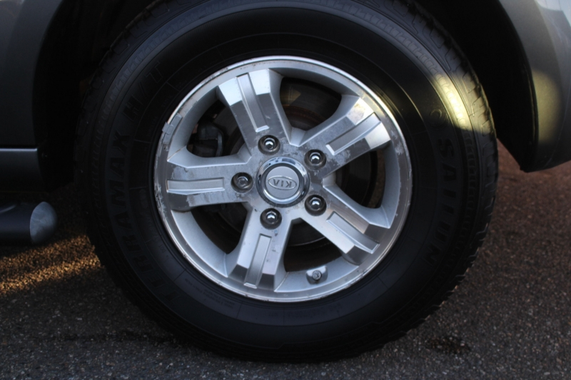 Kia Sorento 2008 price $5,990