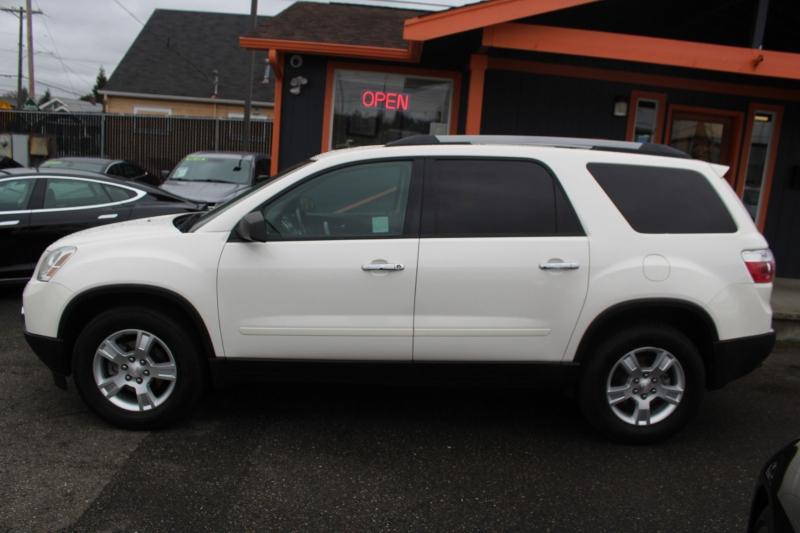 GMC Acadia 2010 price $8,990