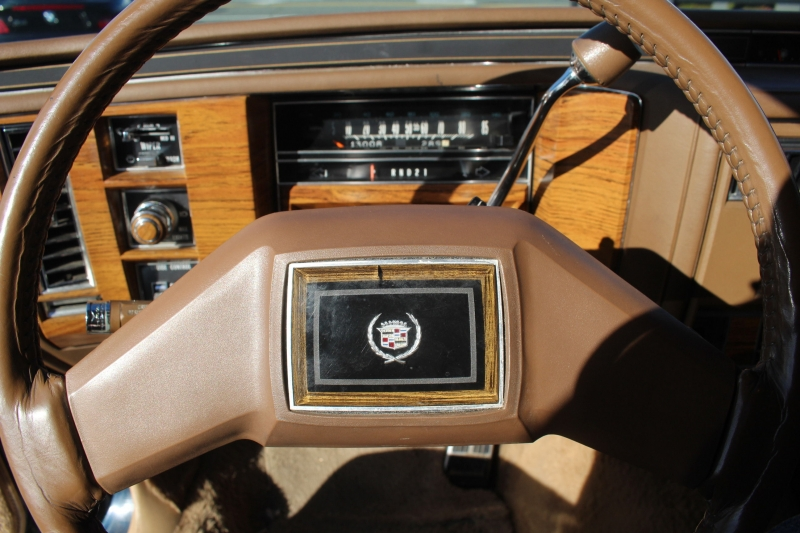 Cadillac Fleetwood Brougham 1981 price $7,990
