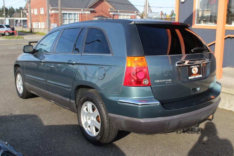 Chrysler Pacifica 2006 price $7,490
