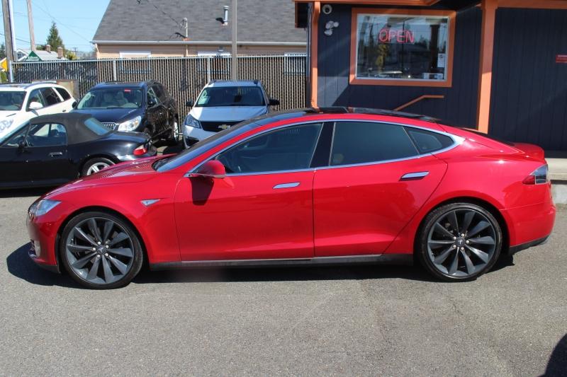 Tesla Model S 2015 price $39,990