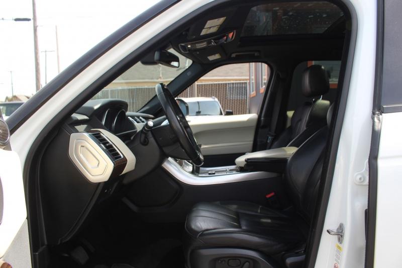 Land Rover Range Rover Sport 2015 price $41,990