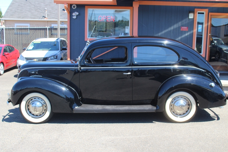 Ford Deluxe 1938 price Call for Pricing.