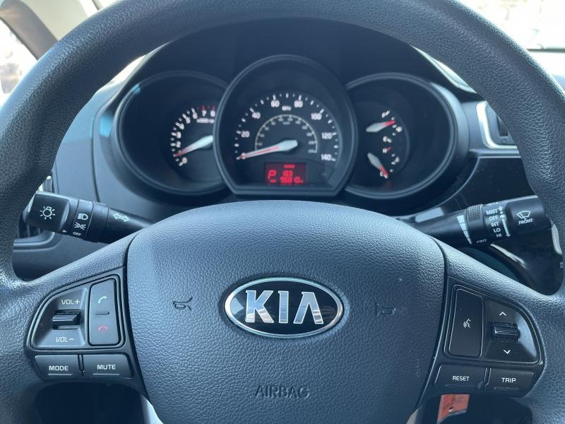 Kia Rio 2016 price $9,990