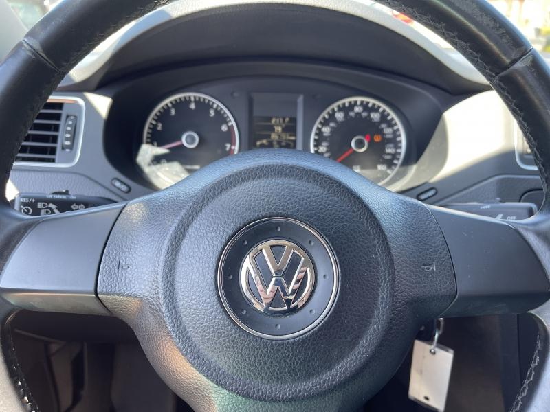 Volkswagen Jetta 2013 price $9,990
