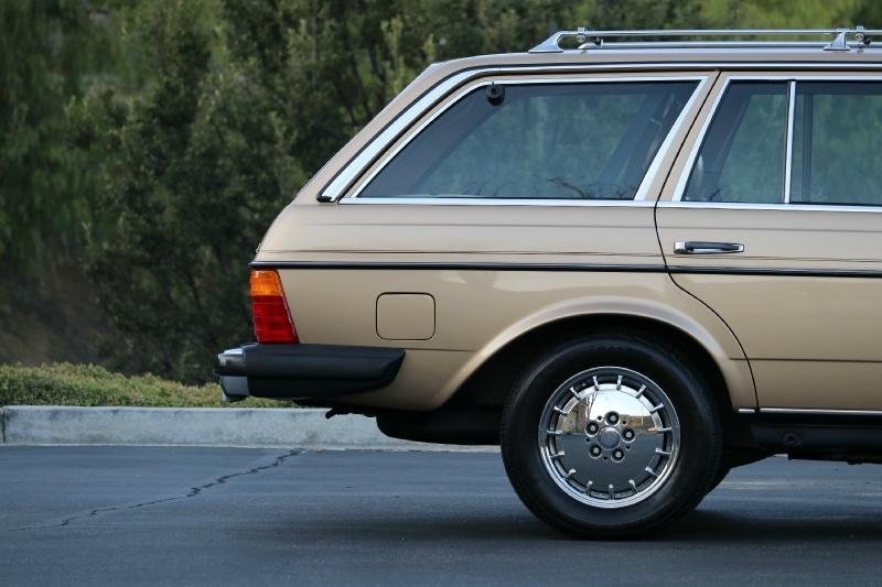 Mercedes-Benz 300 Series 1983 price $29,250