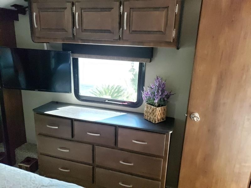 Grand Design Reflection 2019 price $49,800