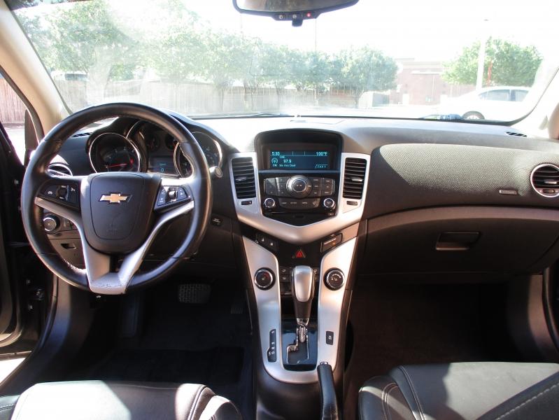 Chevrolet Cruze 2012 price $4,800