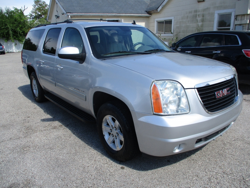 GMC Yukon XL 2011 price $6,900