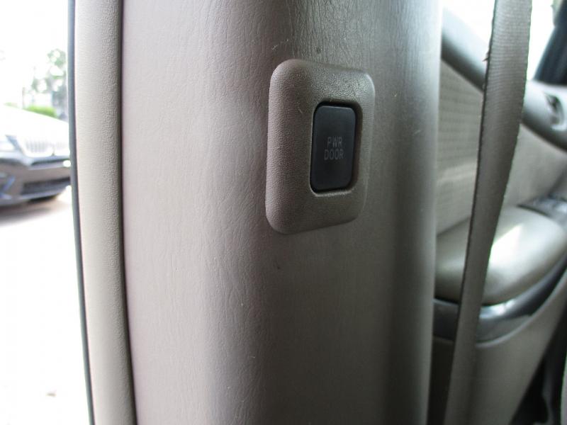 Toyota Sienna 2008 price $5,700