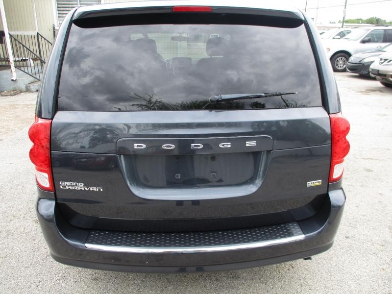 Dodge Grand Caravan 2014 price $5,900