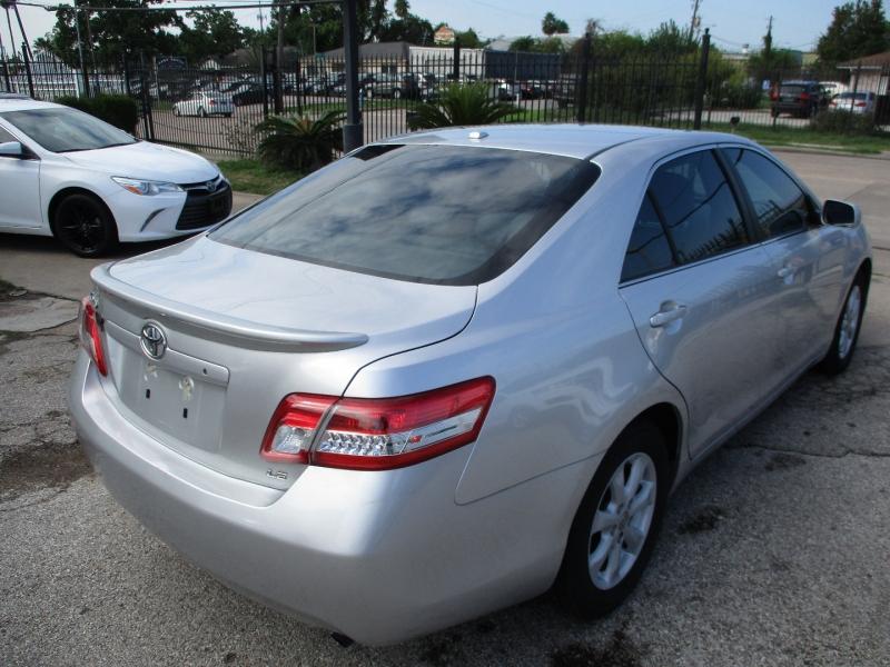Toyota Camry 2011 price $5,900