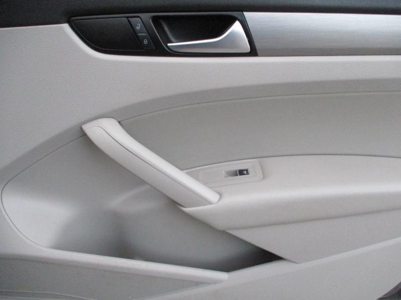 Volkswagen Passat 2014 price $5,500