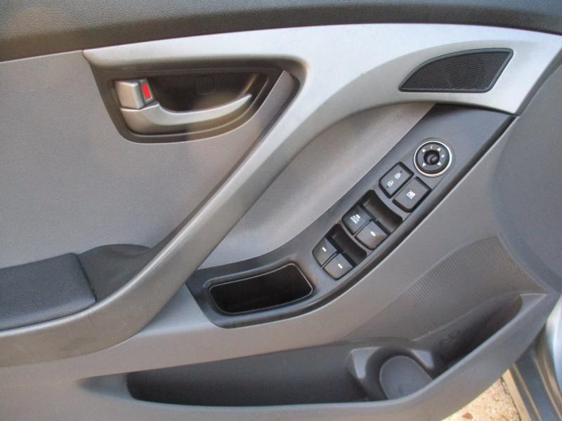 Hyundai Elantra 2015 price $6,900