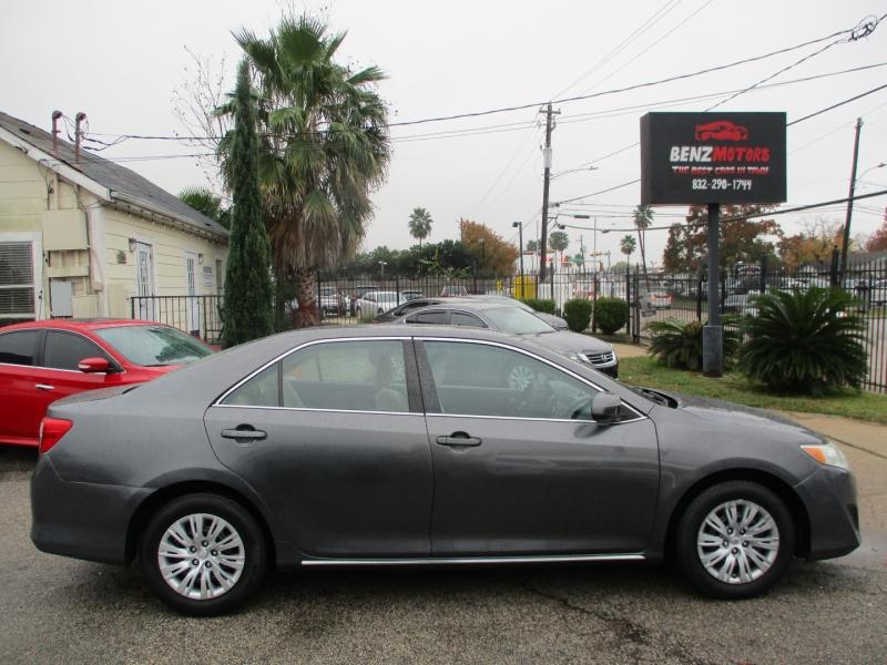 Toyota Camry 2013 price $7,400