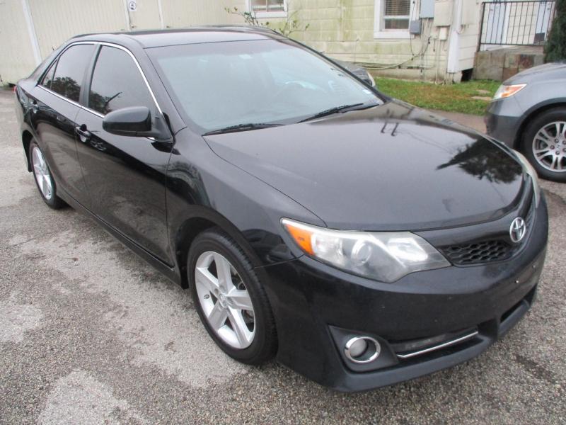 Toyota Camry 2014 price $8,400