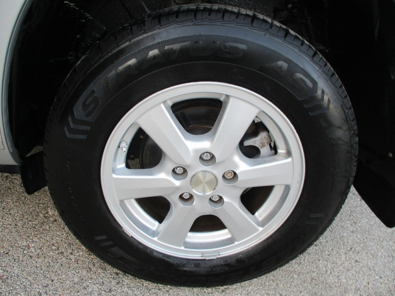 Toyota RAV4 2007 price $5,500