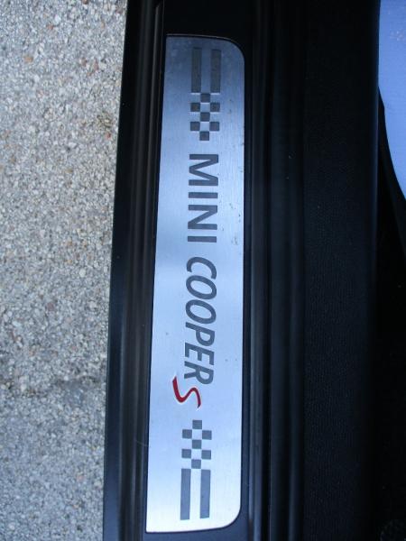 Mini Cooper Countryman 2013 price $9,500