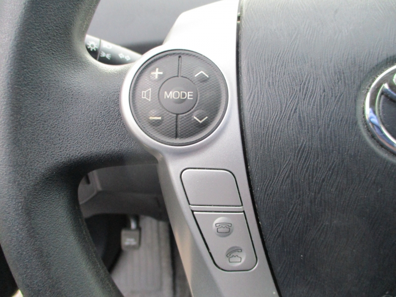 Toyota Prius 2015 price $6,200