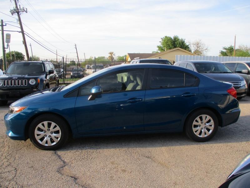 Honda Civic Sdn 2012 price $11,200