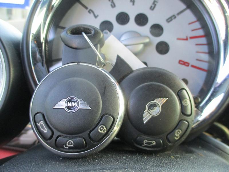 Mini Cooper Convertible 2009 price $9,250