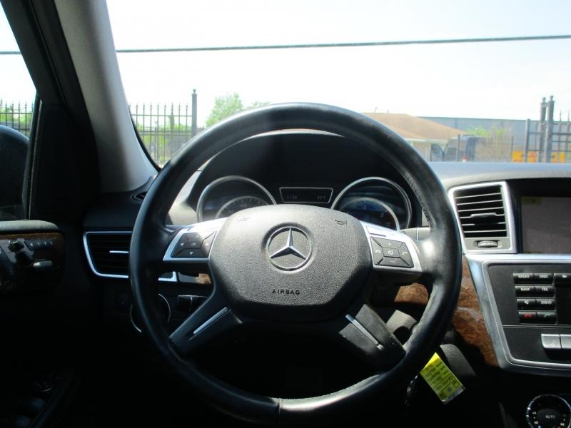 Mercedes-Benz M-Class 2012 price $13,950