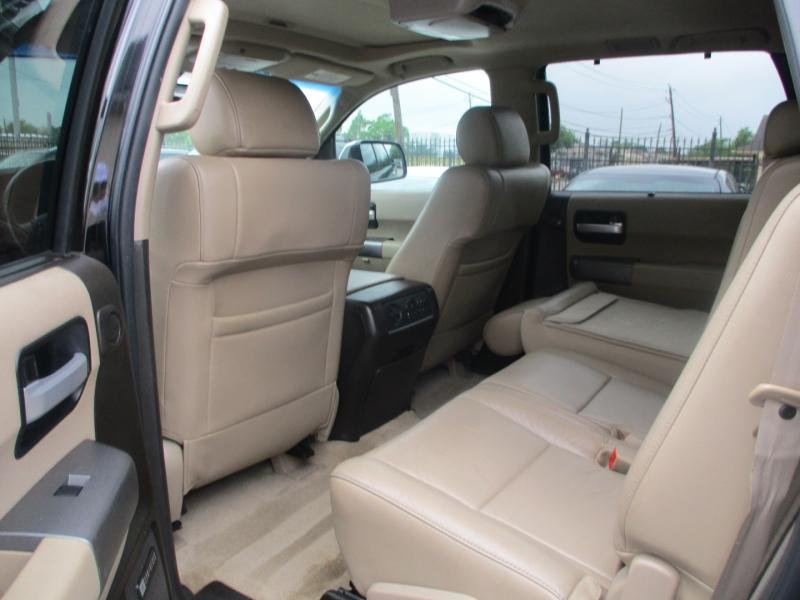 Toyota Sequoia 2011 price $14,200