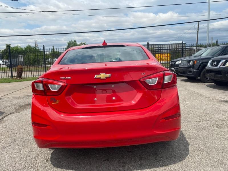 Chevrolet Cruze 2018 price $12,900