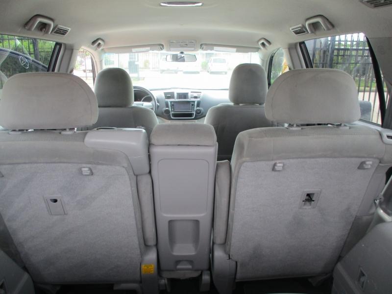 Toyota Highlander 2013 price $12,500