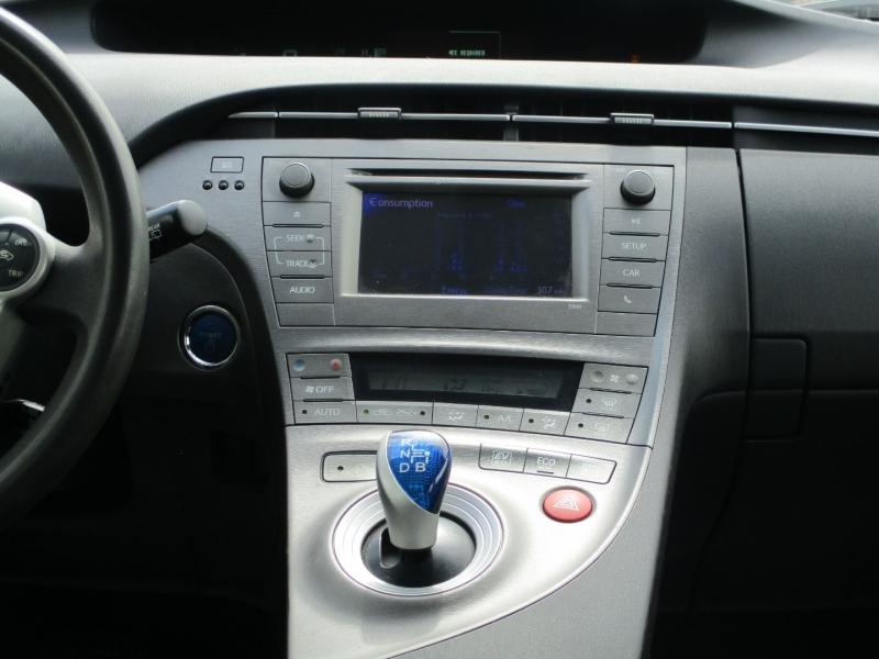 Toyota Prius 2013 price $7,950