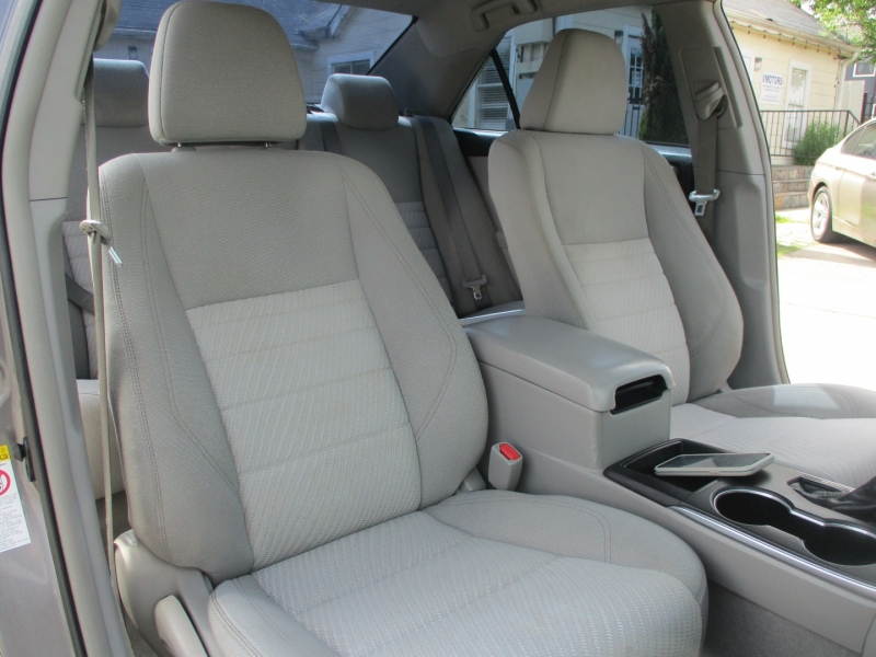 Toyota Camry 2016 price $8,900