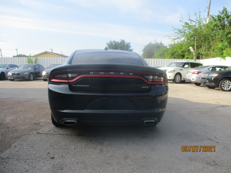 Dodge Charger 2016 price $14,900