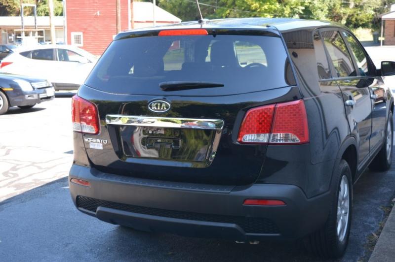 KIA SORENTO 2012 price $12,995