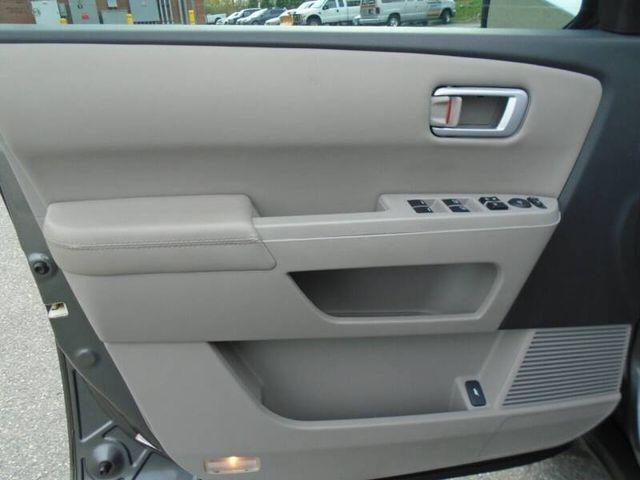 Honda Pilot 2011 price $12,450
