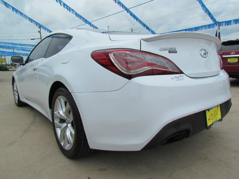 Hyundai Genesis Coupe 2015 price Call for Pricing.