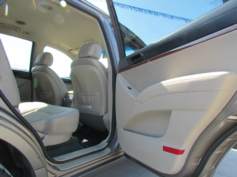 Hyundai Veracruz 2010 price Call for Pricing.