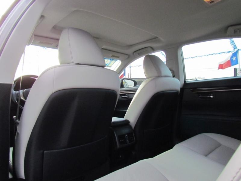 Lexus ES 350 2014 price Call for Pricing.