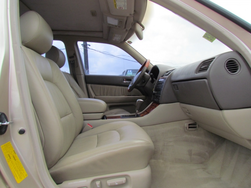 Lexus LS 400 1998 price Call for Pricing.