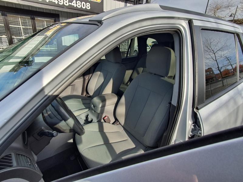 Hyundai Santa Fe 2010 price $7,388