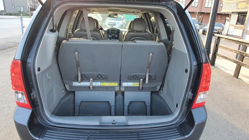 Kia Sedona 2014 price $8,900