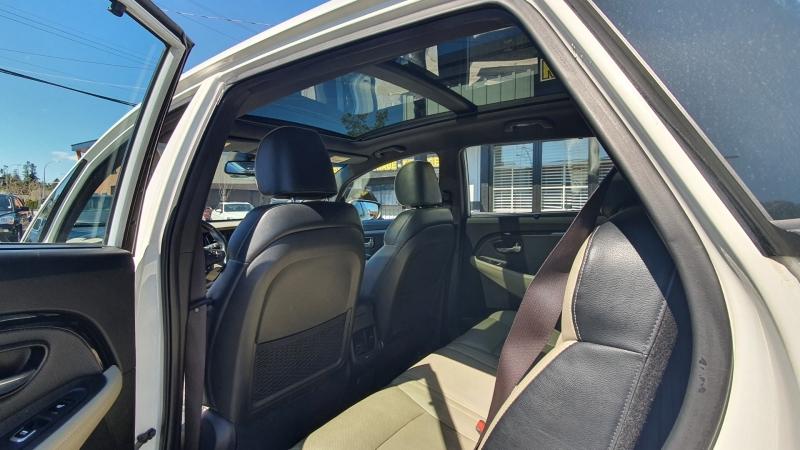 Kia Rondo 2014 price $9,900