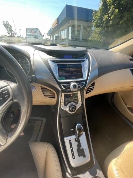 Hyundai Elantra 2012 price $9,494