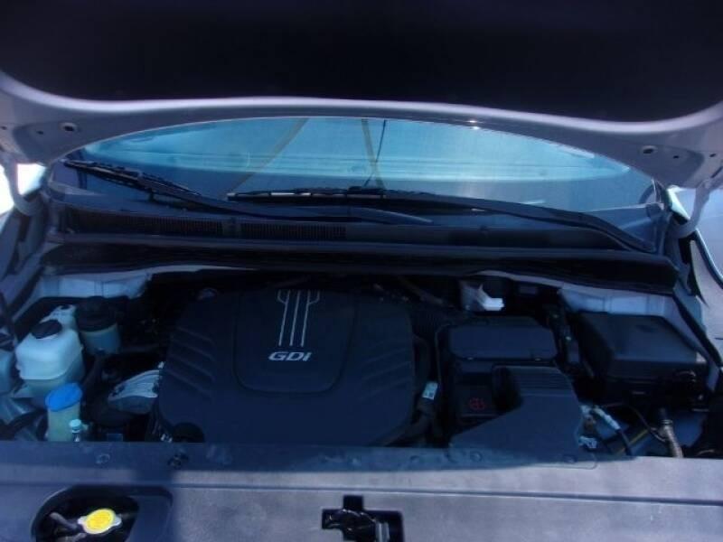 Kia Sedona 2016 price $16,799