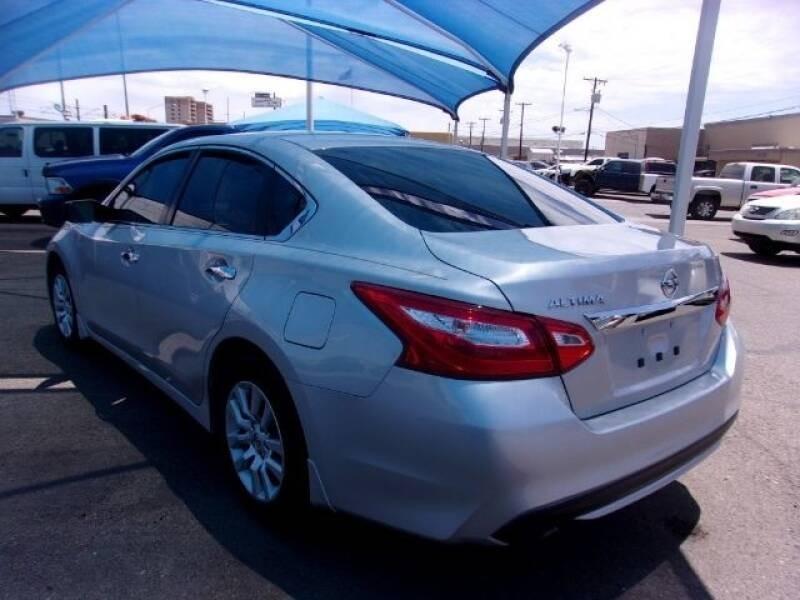 Nissan Altima 2017 price $9,899