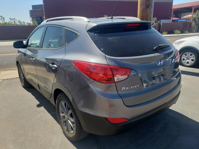 Hyundai TUCSON 2015 price $15,395